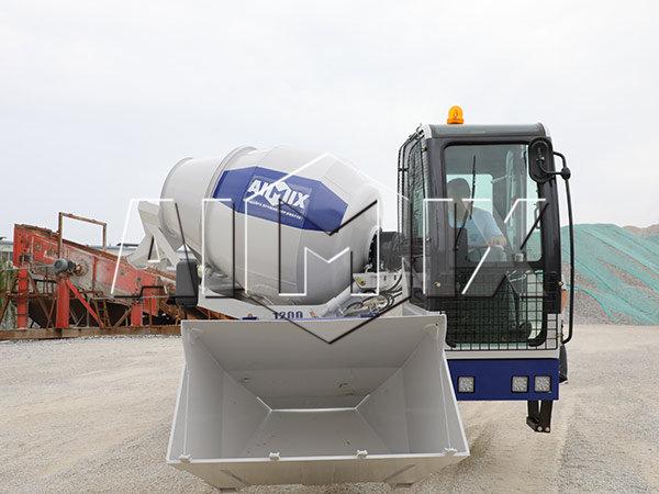 Самозагружающийся бетоносмеситель из Китая