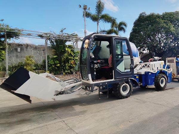 Самоходный бетоносмеситель на Филиппинах